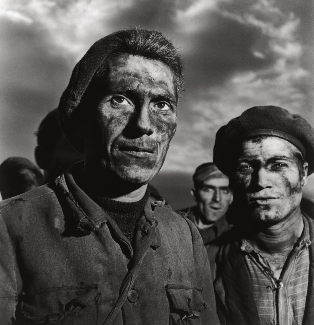 Photo by Patellani: Miners at Carbonia